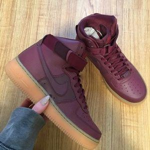SALE 🚨 | Nike Womens Air Force 1 Hi SE Sneakers